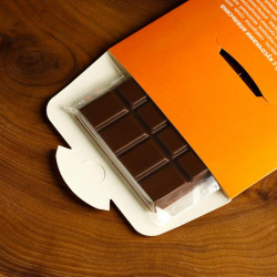 Шоколад молочный «2022» с кусочками апельсина 85 г